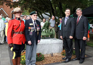 dedication at cenotaph in pelham