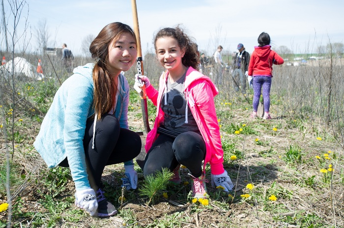 Ontario youth take part in tree planting challenge