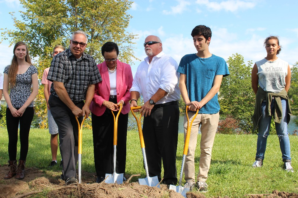 Mayor Campion and others breaking ground at Welland Skatepark